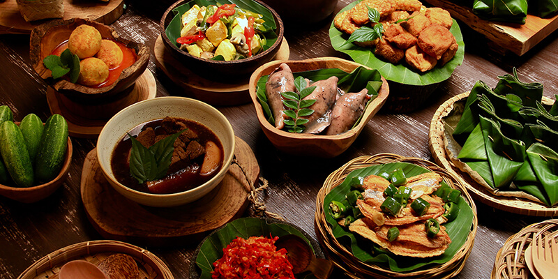 Saturdays Indonesian Rijsttafel dishes at the restaurant